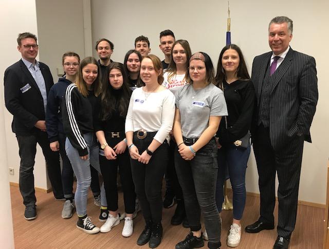 Schüler des Einstein-Gymnasiums aus Neuenhagen stellten spannende Fragen
