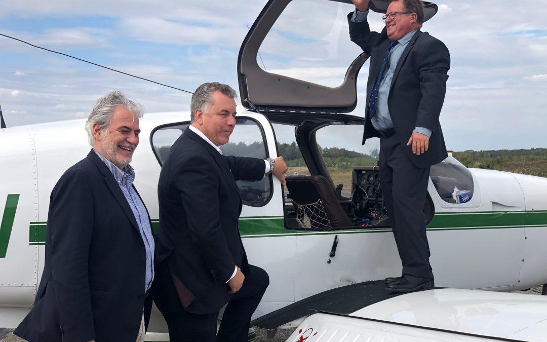 Mit Kommissar Christos Stylianides setzt sich Dr. Christian Ehler MdEP für die Ansiedlung einer Europäischen Löschflugzeugstaffel in der Lausitz ein